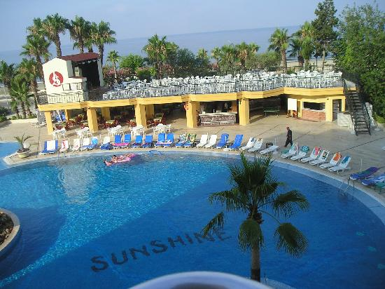 Kestel, Turkije: View from my room over pool area