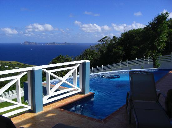 Blue Skies Villas: view from pool deck