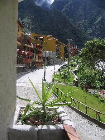 SUMAQ Machu Picchu Hotel: view from our balcony-looking back towards town