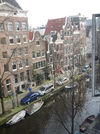 Stayokay Hostel Amsterdam Stadsdoelen: View from my bed