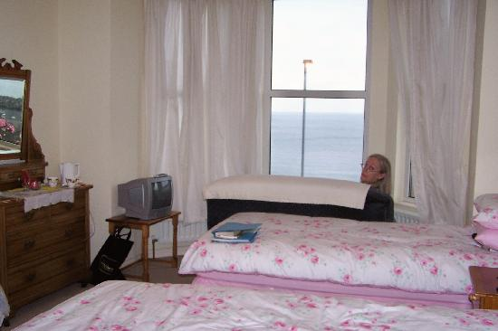 Ballycastle, UK: Our bedroom at Ardaghmore B&B