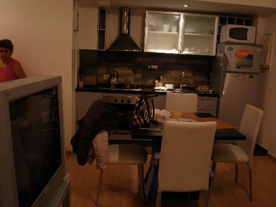 Laprida Suites: cocina comedor