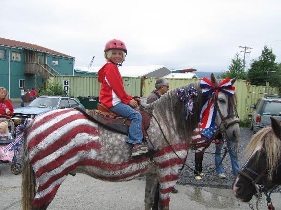 Wrangell Extended Stay : even horses