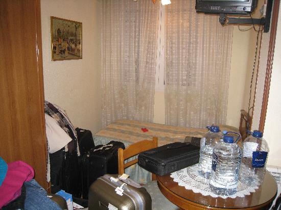 Hostal Maria Luisa: Habitación triple
