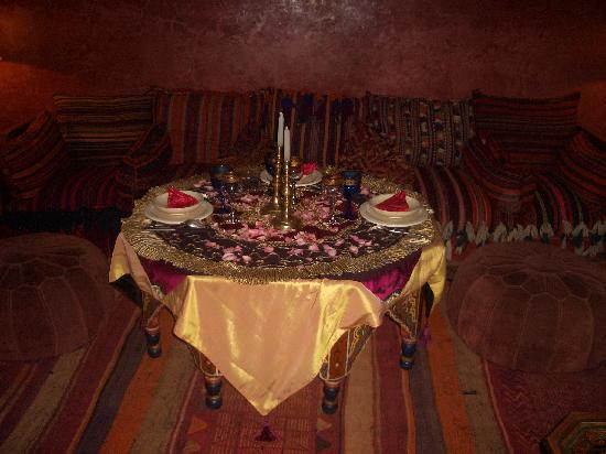 Riad Samsara: Our table laid for supper, complete with rose petals
