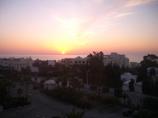 Nahrawess Hotel : Sunrice from hotelroom