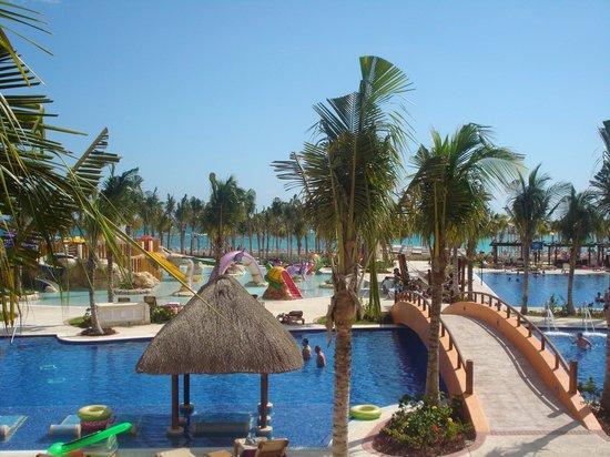 Hotel Barcelo Maya Beach: Vue du balcon de notre chambre