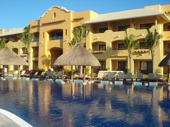 Hotel Barcelo Maya Beach: Vue sur notre chambre