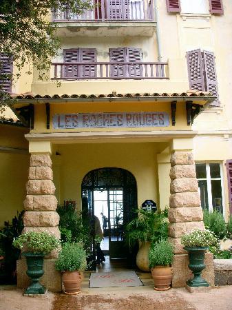 Hotel front entrance photo de hotel les roches rouges piana tripadvisor - Hotel les roches rouges ...