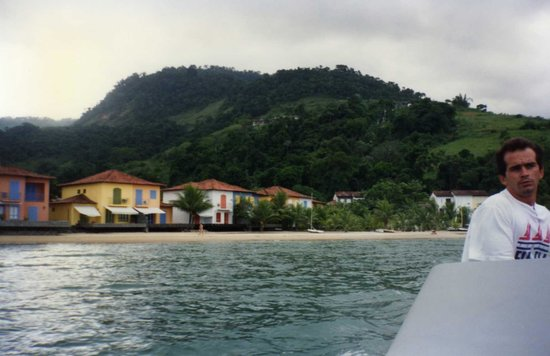 Portogalo Suite Hotel: Vista de la playa del Hotel Portogalo - ANGRA DOS REIS