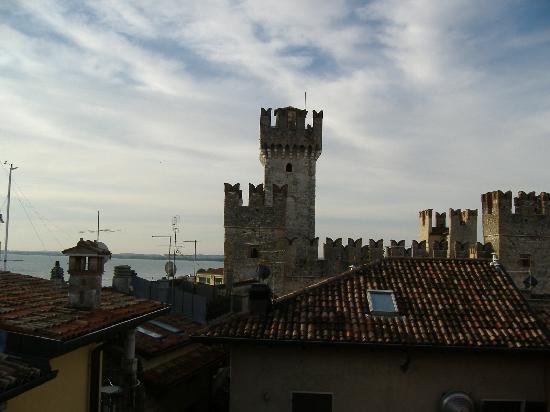 Meuble Adriana: Il castello visto dalla finestra