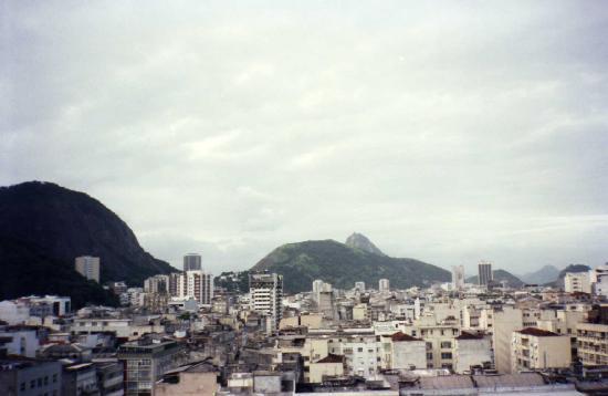 بينيدورم بالاس هوتل: Vista desde piscina Hotel Benidorm Palace  - RIO JANEIRO