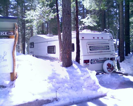 Pinecrest Chalet: Snowy outer view of RV