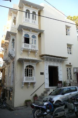 Pratap Bhawan: Exterior from street