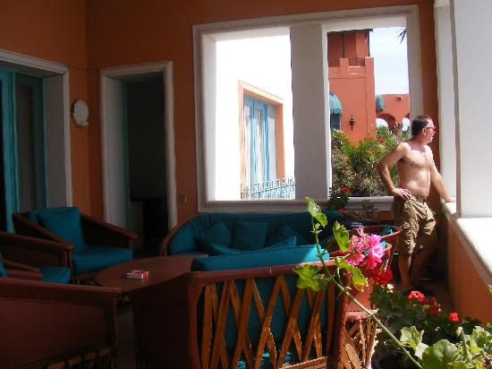 Lake Chapala Inn : common balcony for all guests