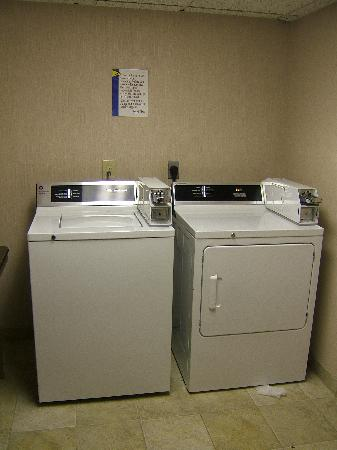 Drury Inn & Suites Houston West/Energy Corridor: Laundry room on 2nd floor