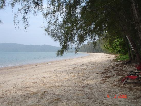 Sandbeach Bungalow: plage vers l'ouest