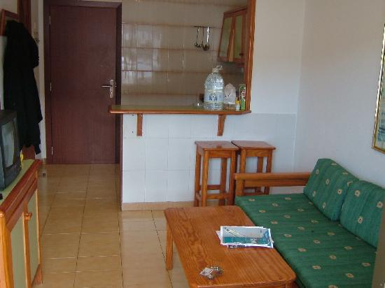 Carlota Apartments : Lounge