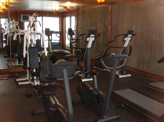 WorldMark Wolf Creek: clubhouse exercise room 100 feet from house
