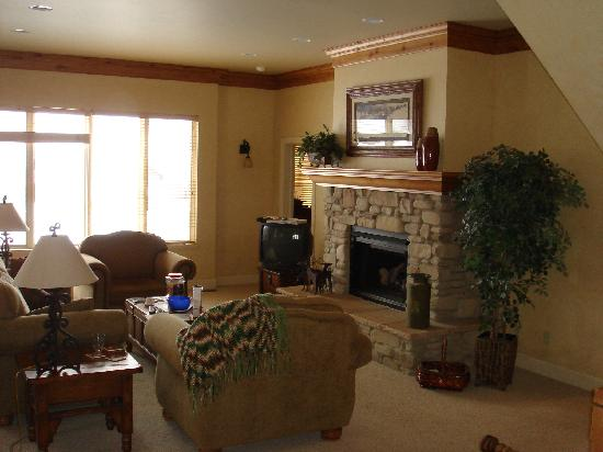 WorldMark Wolf Creek: Living Room