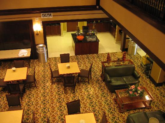 Homewood Suites by Hilton: Breakfast area