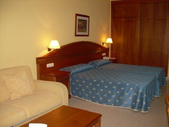 HOTEL BAHIA TROPICAL: Habitación doble tipo standard