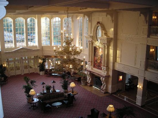 Castle club room picture of disneyland hotel chessy for Chambre castle club disneyland hotel