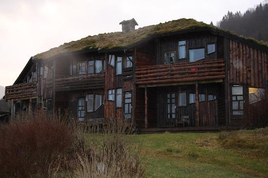 Brekkestranda Fjord Hotel: one of the buildings facing the fjord