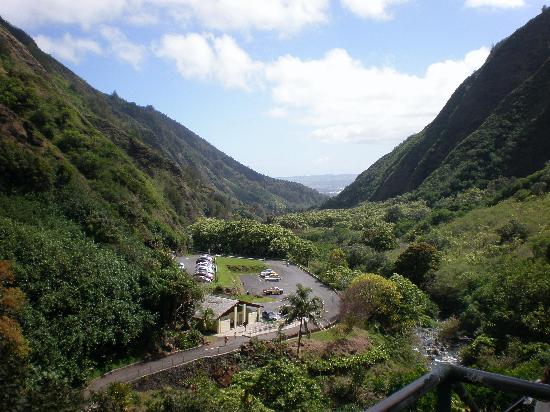 Iao Valley State Monument: View of the valley