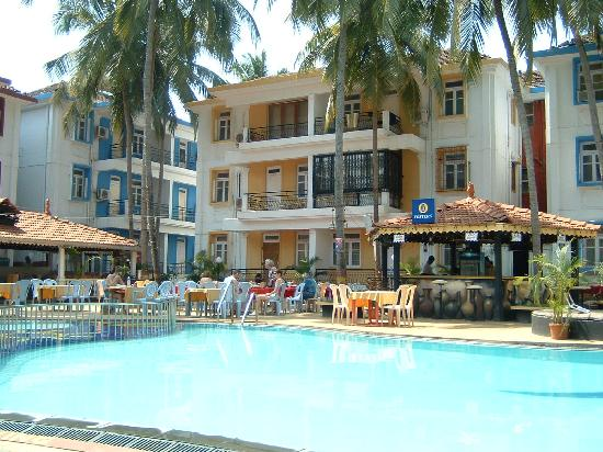 Alor Grande Holiday Resort: around the pool