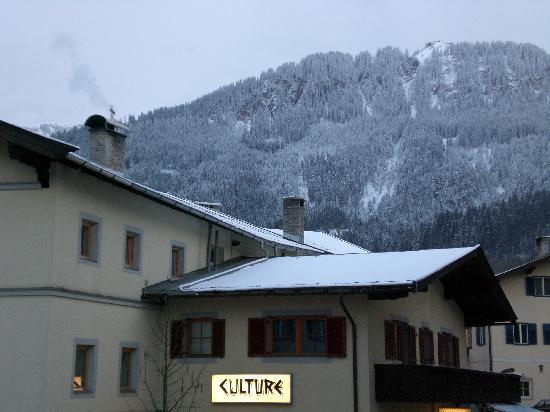 Tyrol Hotel: View from our room after a day of snow
