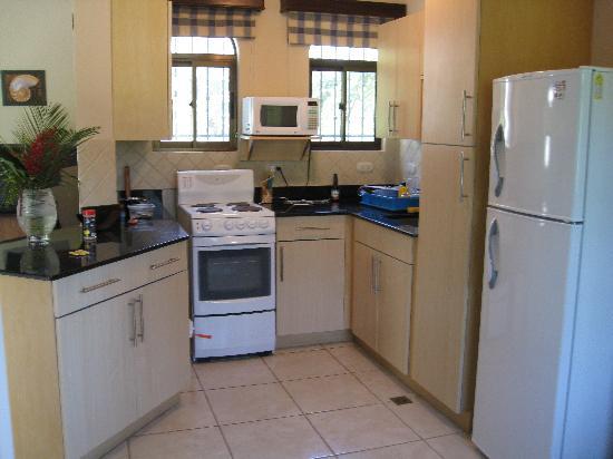 Villas Hermosas: View of Kitchen