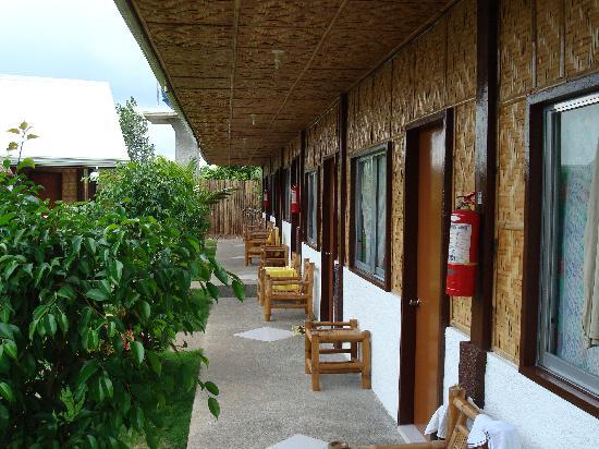 Paragayo Resort: standard aircon outside