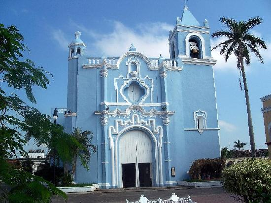 Tlacotalpan, México: Candelaria Church on the Zocalo