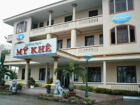 My Khe Beach Hotel: Front of Hotel