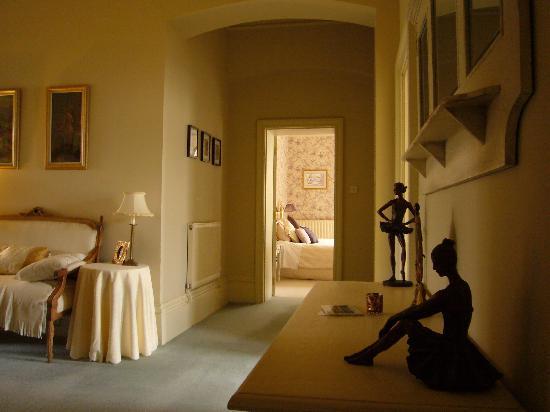 Summer Hill House: Corridor