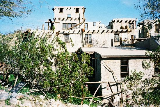 Cabot's Pueblo Museum: view of the house