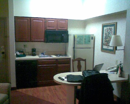 Homewood Suites by Hilton Philadelphia Great Valley: Small Kitchen Area
