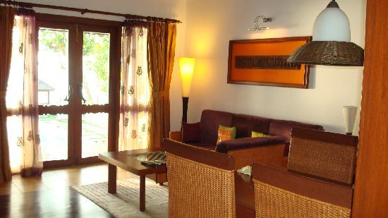 The Zuri Kumarakom: Room 407 - Pool Villas (Hall Area)