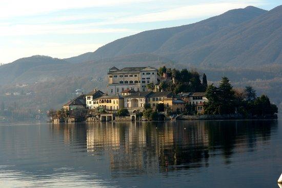 San Rocco Hotel: San Giulio island from Hotel San Rocco