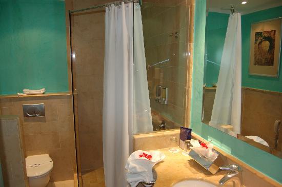 Iberostar Bavaro Suites: salle de bain