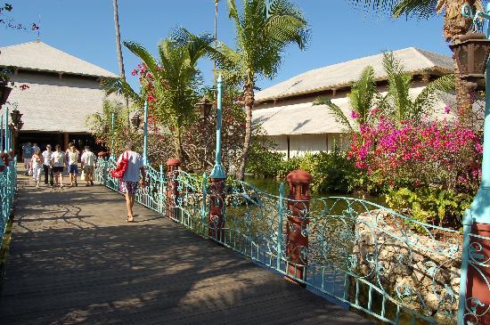 Iberostar Bavaro Suites: lobby et restaurant principal