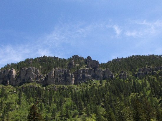 Spearfish, Dakota del Sur: Impressive views when looking up
