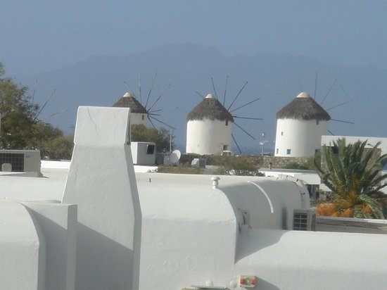 Poseidon Hotel - Suites: looking the windmills from the poolside