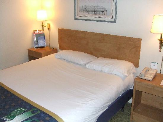 Holiday Inn Warrington: Bedroom