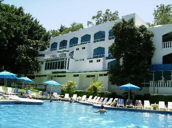 Bar camello picture of hotel villa bejar and spa for Villas imss tequesquitengo mor