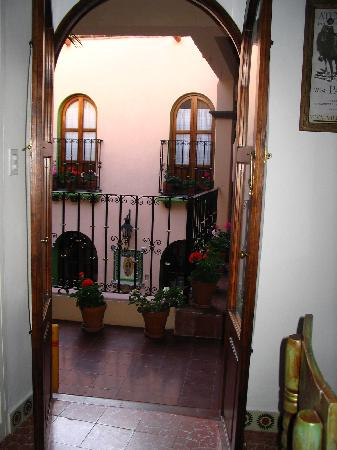 La Casa de Dona Ana: The view to the courtyard from the Revolucion Room