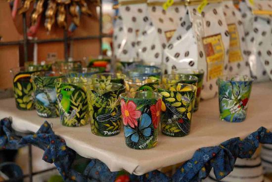 El Valle de Anton, Panamá: Hand Painted Shot Glasses at the Market