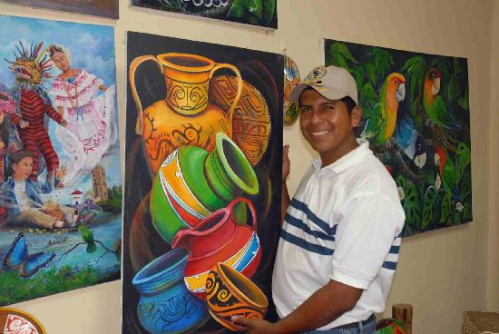 El Valle de Anton, Panamá: Victor Rodriquez shows off the Painting we purchased from him