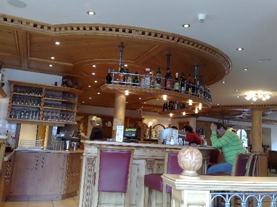 Hotel Zentral: Bar at day